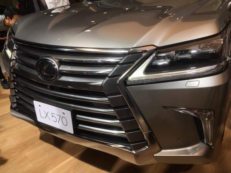東京モーターショー2017SUVフロントグリル